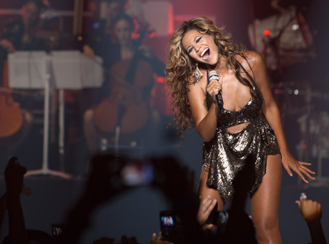 Watch the Premiere of Beyoncé's 'Live at Roseland' DVD!